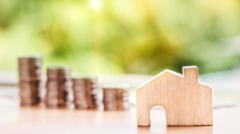 Hypotéky stále zlevňují, vzbuzují tak zájem